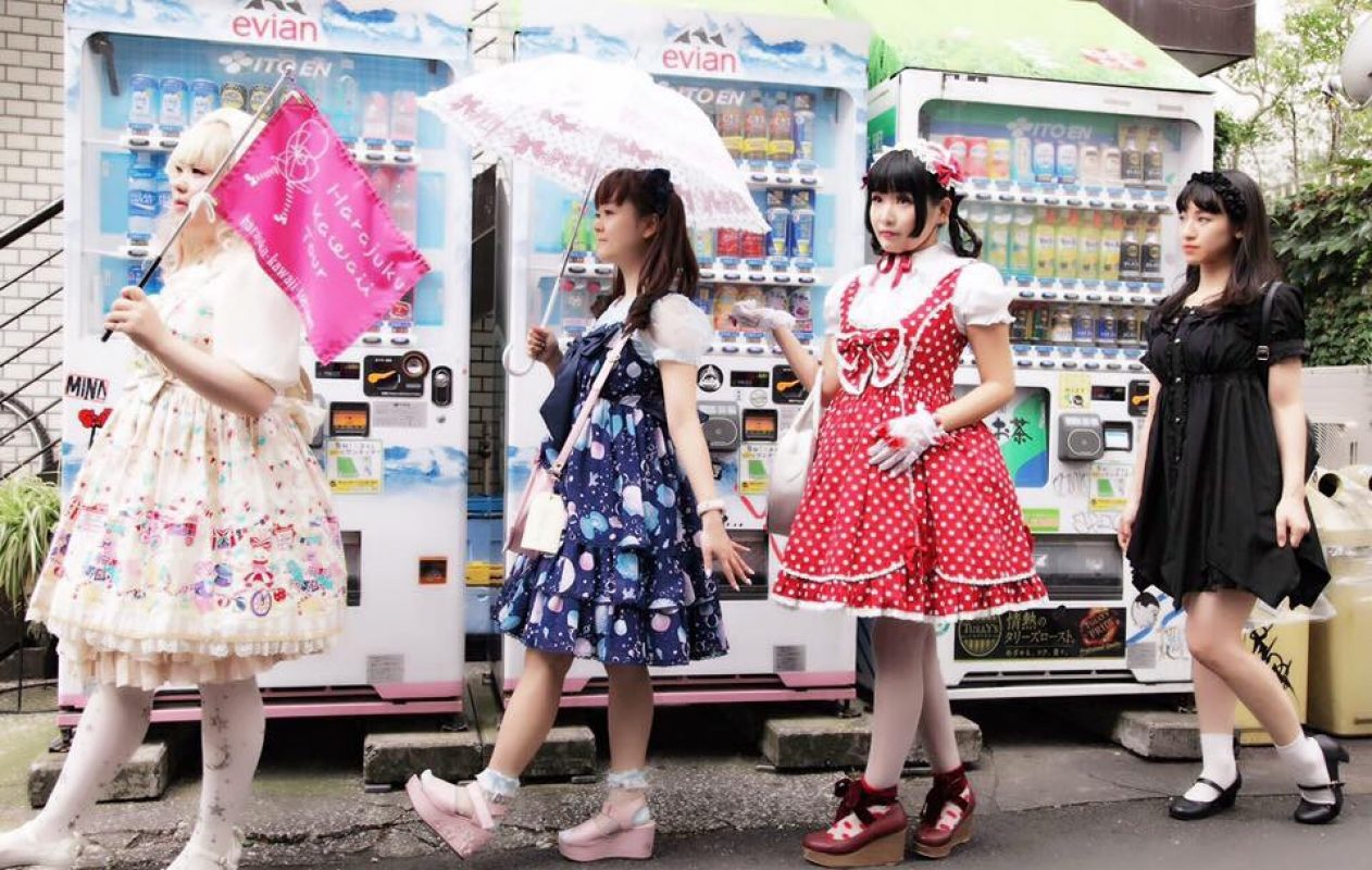 harajuku-kawaii-tour-lolita-girls2